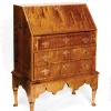 queen-anne-tiger-maple-desk-closed-633
